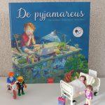 Pyjamareus bednet zieke kinderen naar school online onderwijs