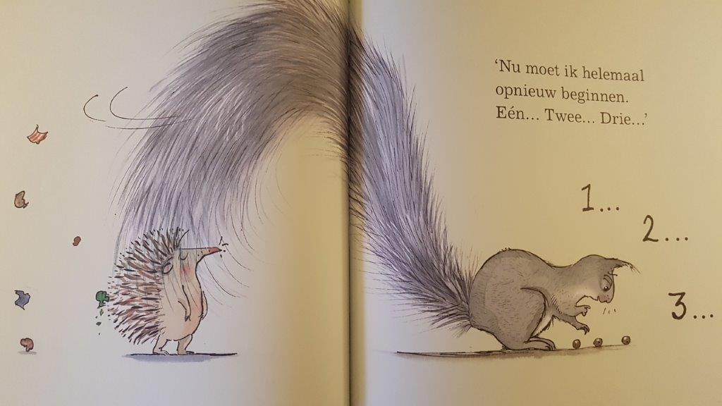 Knuffel boek met egel en eekhoorn