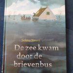 de zee kwam door de brievenbus