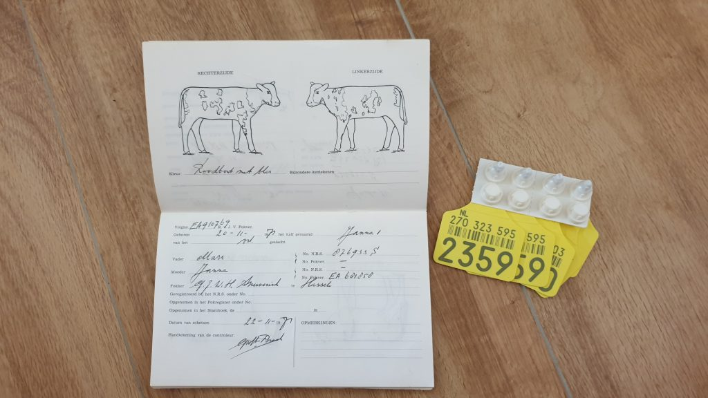 koeien paspoort oormerk en tekenboek