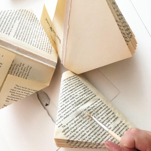 Creatief met oude boeken: vazen