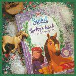 Lucky's boek vol winterpret van Spirit