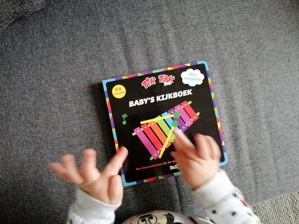 Tik Tak baby's kijkboek