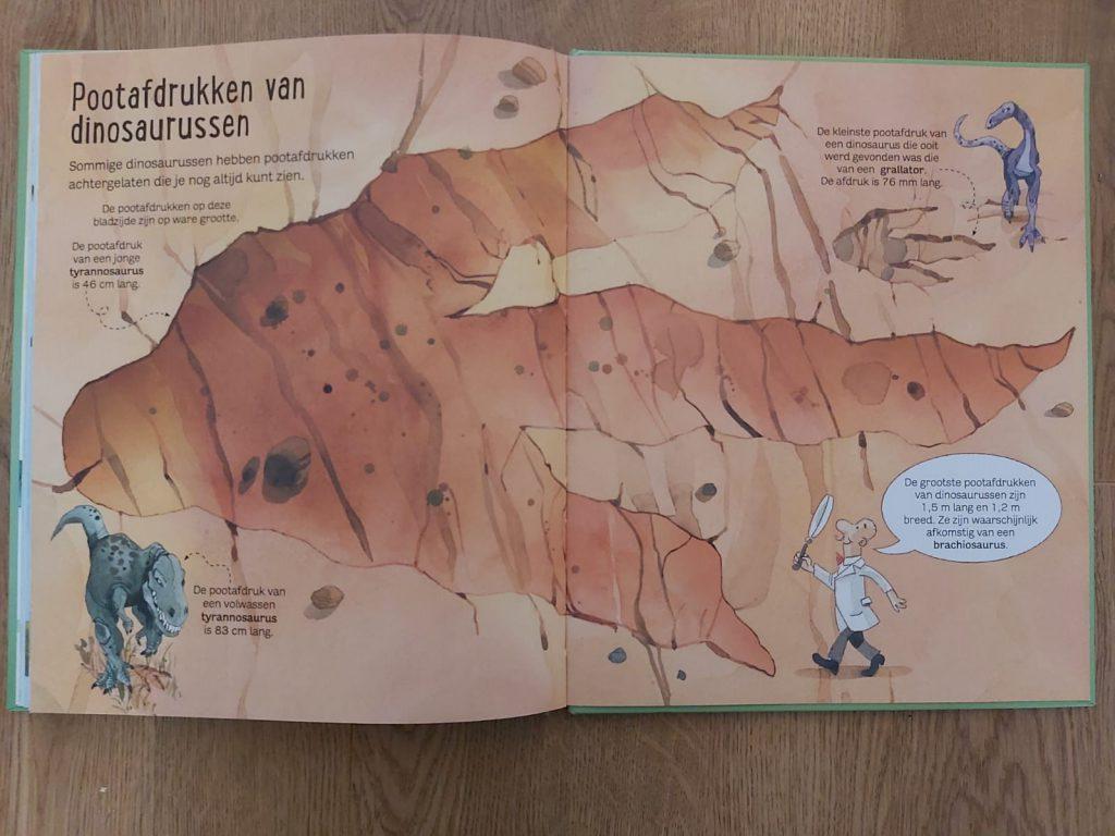 het grote boek der dinosaurussen